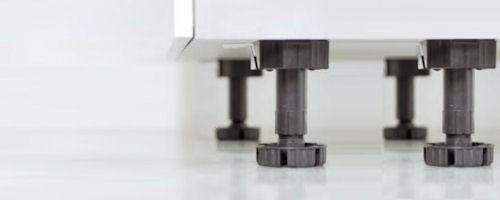 Sockelfuesse verstellbar  Unterschrank mit 1 Schubkasten und 2 Auszüge sockkelfuesze