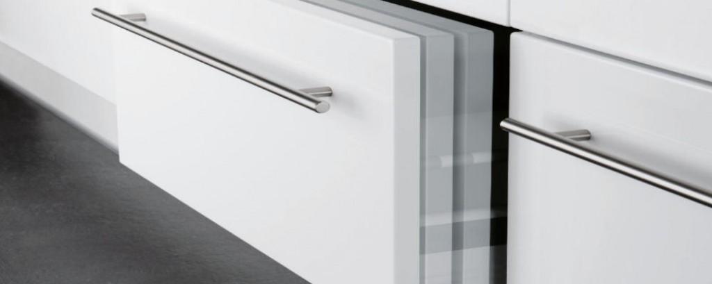 passleiste f r maxi unterschr nke in korpusfarbe. Black Bedroom Furniture Sets. Home Design Ideas