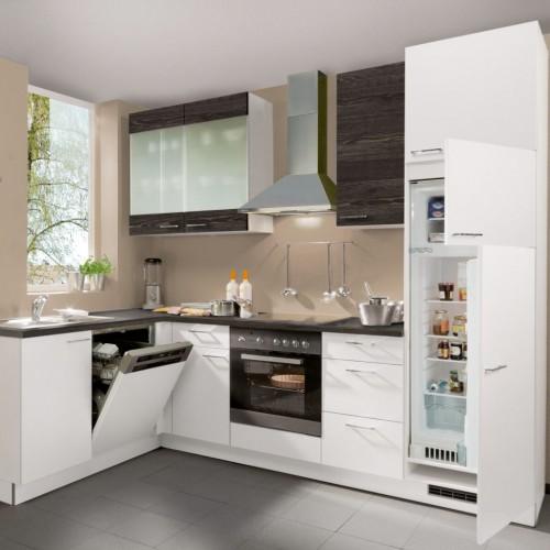 Küchenzeile mit Elektrogeräte